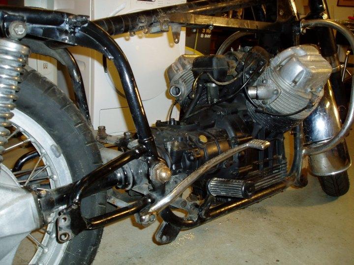 Motor neste