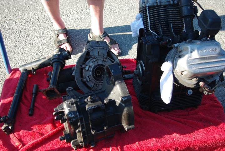 Motor, girkasse og kardang samt svingarmsgaffel