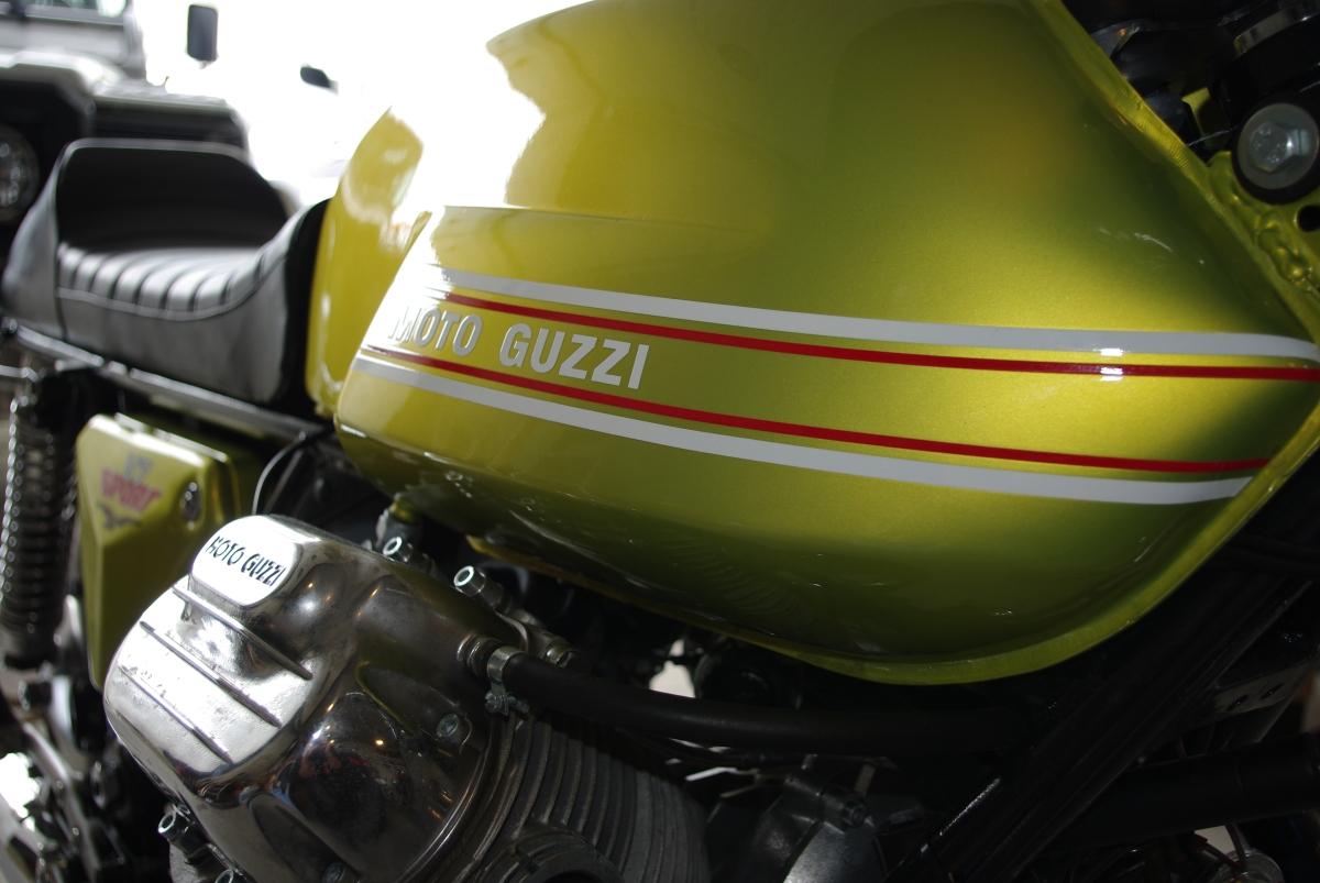Ekte skjønnhet blir to, Moto Guzzi V7 Sport1972